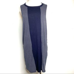 DKNY Sleeveless Navy Blue and White Dress Size L